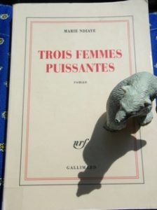 Marie Ndiaye, Trois femmes puissantes