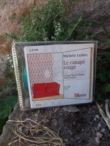 Michèle Lesbre, Le canapé rouge, lu par Kriss Goupil