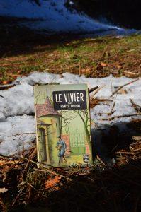 Plateau du Lévézou, chemin des éoliennes - Henri Troyat, Le vivier