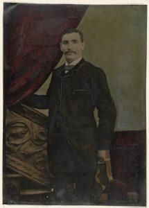 2009.140.84 The J. Paul Getty Museum, Los Angeles - Agatha Christie, L'homme au complet marron, lu par Michel Vuillermoz