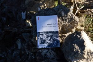 Causse du Larzac, roc du Mérigou - Kenneth Cook, Le vin de la colère divine
