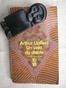 Toulouse - Arthur Upfield, Un vent du diable