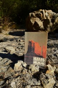 Cirque de Navacelles, la Vis - Tony Hillerman, Coyote attend