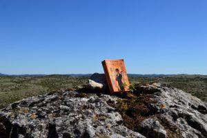 Causse du Larzac - Roc du Mérigou - Le rouge et le noir de Stendhal