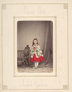 The Metropolitan Museum of Art, New York 2007.284 - Lola Lafon, La petite communiste qui ne souriait jamais, lu par Chloé Lambert