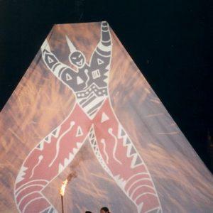 Ouverture de la soirée Cosmosapiens  - Cérémonie d'ouverture de la soirée Cosmosapiens au XXe festival de Montignac (Dordogne-24), à l'été 2000