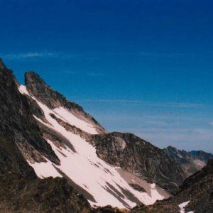 Col d'Estom Soubiran - Situé à 2 829 m d'altitude. Vue entre le lac Glacé et le lac du Col