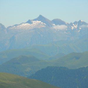 vu du Cagire le Pic  de la Calabasse (2210m.)