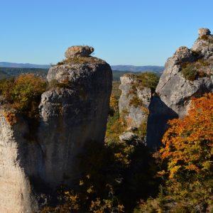 Rochers vers Roquesaltes au sud - Causse Noir, Aveyron