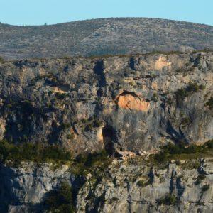 grotte dans les Gorges de la Vis