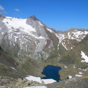 Lac des Gentianes et glacier d'Ossoue - Vue de la brèche d'Estom Soubiran, 2 729 m (col des Gentianes)