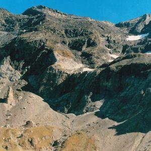 les Deux Sœurs et le Pic de Troumouse (3085m.)