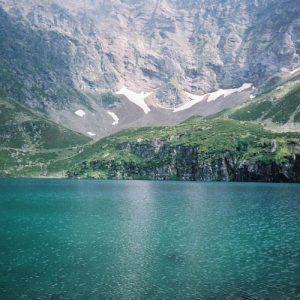 Le lac de Peyrelade - Des eaux limpides... sous Pène Blanque... à l'ouest du pic du Midi, de Bigorre...