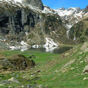 Lac d'Espingo - Face ouest en allant vers le lac de Saussat...