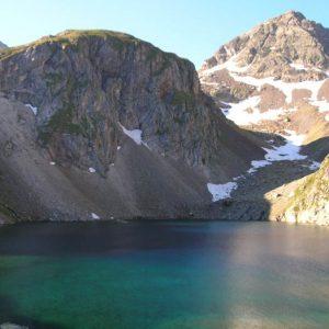 Lac de Labas - À 2 281 m, au pied du pic d'Estom