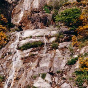 Granit du Montlouvier (cascade) - Près d'Aumessas, dans le Gard (massif de l'Aigoual)