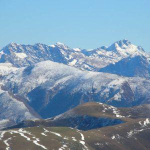 Pics Burat et Bacanère - Vue au levant du mont Né, les pics de Burat et de Bacanère (2 193 m)