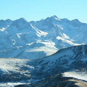 Pics Perdiguère, Portillon... La vue sur le sud... les pics des Crabioules (3 116 m), Perdiguère (3 222 m), du Portillon d'Oô (3 050 m)