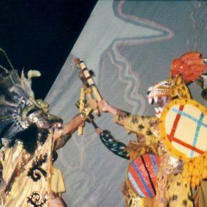 Rite à Nezahualcoyotl... maintenant le cœur du donneur de la vie veut casser les colliers et plumages de quetzal jusqu'à leur disparition... Nezahualcoyotl