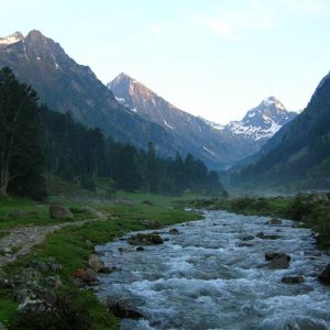 Retour au crépuscule - De droite à gauche le Soubiran et les pics Cestrède Chanchou (2 829 m) et Ardiden (2 897 m)