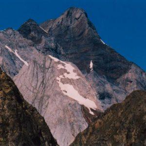 Le Vignemale... Vu sous sa face est, du Col d'Estom Soubiran (2 652 m)
