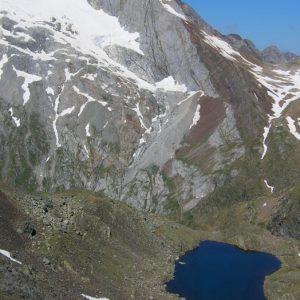 Vignemale et lac des Gentianes