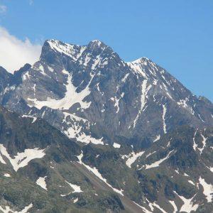 Le Vignemale... versant espagnol - Vue sur la face ouest, du sentier au lac de Nère...