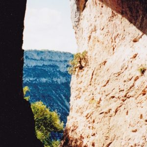 grotte dans les Gorges de la Vis (vue de l'intérieur)
