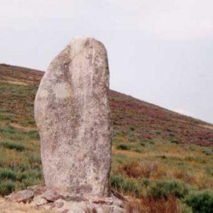 Menhir au col du Sapet - Au mont du Bougès, en Cévennes