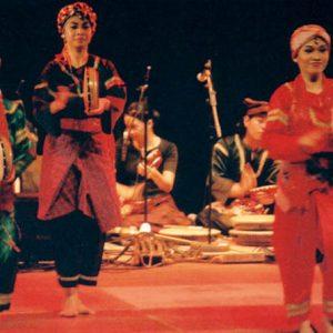Krida Budaya - Festival du Puy-en-Velay, juillet 2004