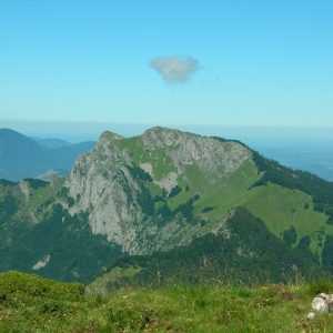 le Pic du Gar et son petit nuage ... vu du Cagire