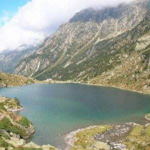 Lac d'Estom, vu du sud