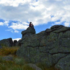 """sur les rochers du """"Grand Pas Ribaldès"""" - Lac des Pises (Massif de l'Aigoual)"""