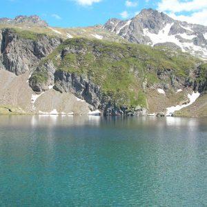 À l'Est du lac des Oulettes d'Estom