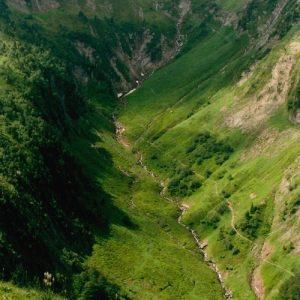 la Vallée de la Frèche vu du pied de  Pic de Ribesautes