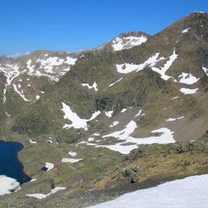 Lac des Gentianes et pic de Labas - Vue du col, la vallée vers le refuge de Bayssellance