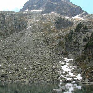 Tuc de Pebignau 2 703 m - Le lac de Hount Hérède, au pied du Tuc de Pebignau sur la rive sud