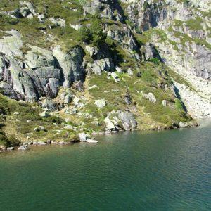 Lac de l'Embarrat - Arrivée orientée à l'est, sur le lac inférieur