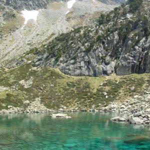 Lac de Hount Hérède - Lac à 2 079 m, au pied du pic de Cestrède ici (2 918 m)