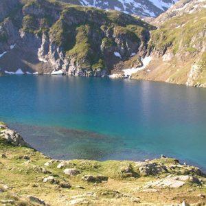 Lac des Oulettes d'Estom Soubiran - Juste au-dessus du lac de Labas, à l'est, se trouve ce très joli lac, à 2 360 m d'altitude