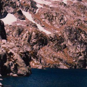 Lac du Pourtet - Vu de la berge sud, sur l'ouest au pied du Soum de Bassia