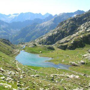 Lac de l'Embarrat 2 139 m - Prise de vue sur le sentier vers le lac du Pourtet