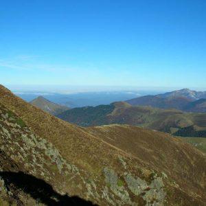 Mont Né - La montée du côté est