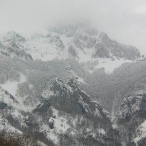 Pic du Gar, face ouest - Le pic ennuagé...