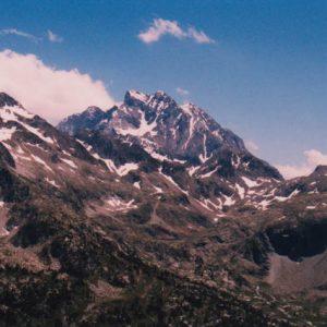 Le Vignemale - Prise de vue de Pé-det-malh en aval du lac Nère, sur le versant sud-ouest espagnol