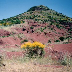 Basaltes et terre volcanique - Au lac du Salagou, Hérault
