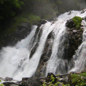 Cascade de Lutour - Située à 1 134 m, au départ de la vallée de Lutour...