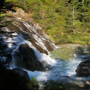 Cascade... Dans la Vallée de Lutour à 1 488 m