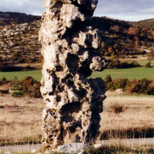 Menhir de la Rigalderie - Causse de Blandas vers Le Vigan - Gard