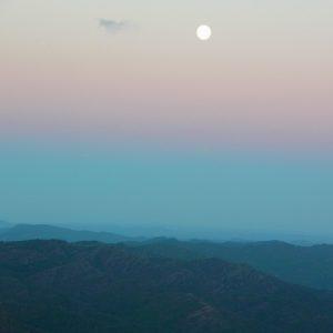 """un crépuscule, vu du """"Pré de Terron"""" (Massif de l'Aigoual)"""
